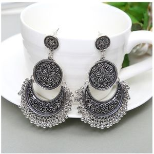 💕Bohemian tassel drop carved earrings